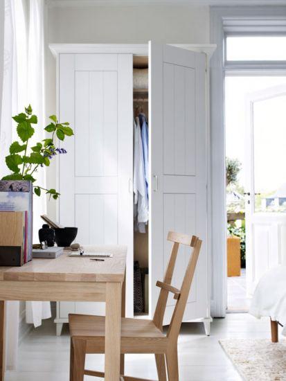 Höga-skåp-Bord-BAS-Stol-och-Bokstöd-413x550